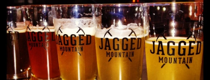 Jagged Mountain Brewery is one of Pipes Brewery Tour.