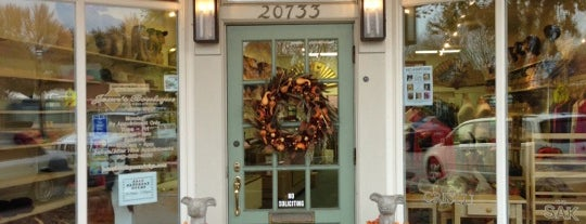 Jean's Boutique is one of Best Grosse Pointe Small Businesses.