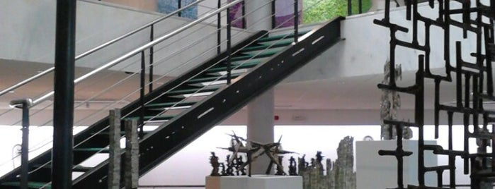 Macedonian Museum of Contemporary Art is one of Selanik'te gorulmesi gereken yerler.