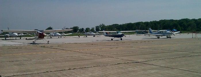 Toledo Executive Airport (TDZ) is one of Airports in Ohio.
