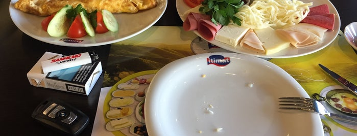 İtimat Süt Ürünleri Cafe Restoran is one of emre'nin yeri.