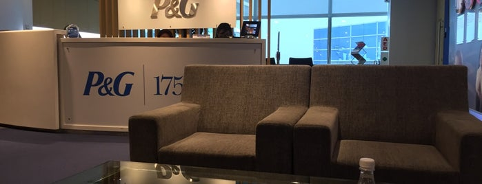 P&G Singapore is one of OFFICE VOL.2.
