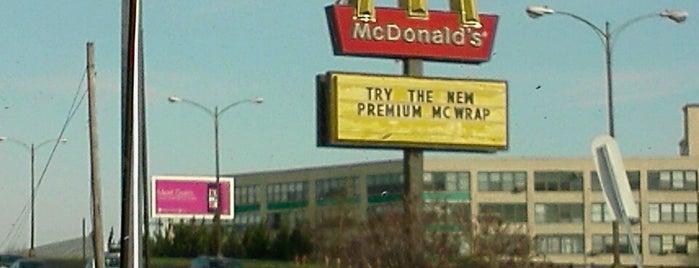 McDonald's is one of lugar da prefeitura.