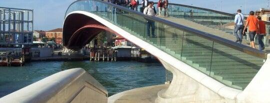 Ponte della Costituzione is one of Venecia.