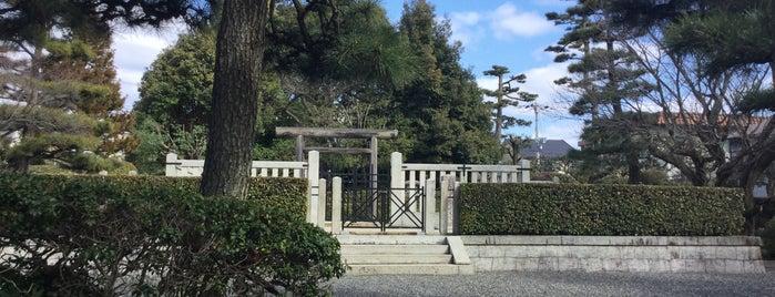 花山天皇 紙屋川上陵 is one of 天皇陵.