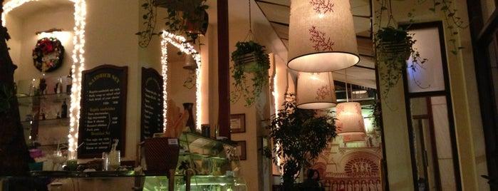 Paris Deli is one of Coffee Shop.