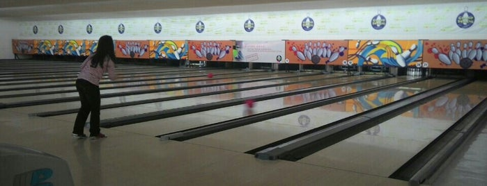 Grand Bowling is one of 7-10 Split Badge.