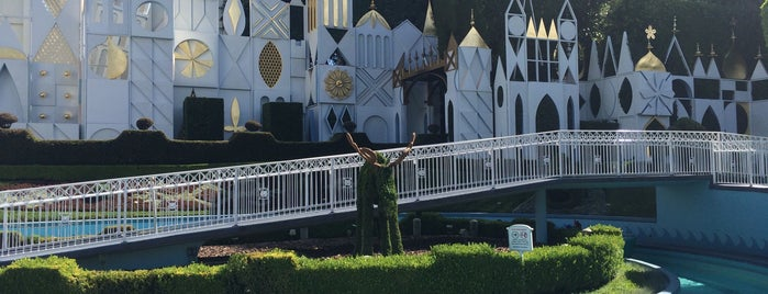 It's a Small World is one of Guide to Los Angeles's best spots.