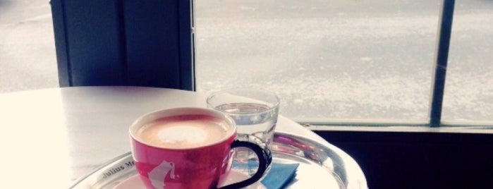 Sunday is one of Cafes in Nişantaşı.