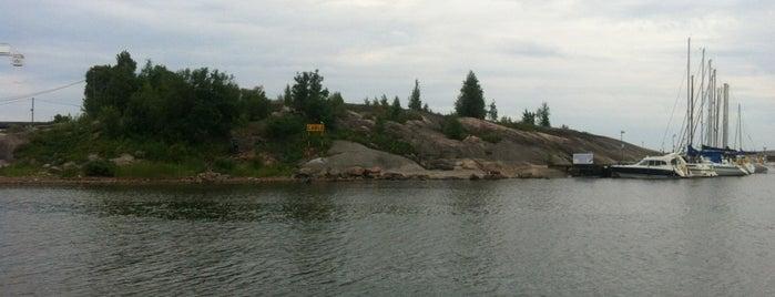 Sirpalesaari is one of HelsinkiToDo.
