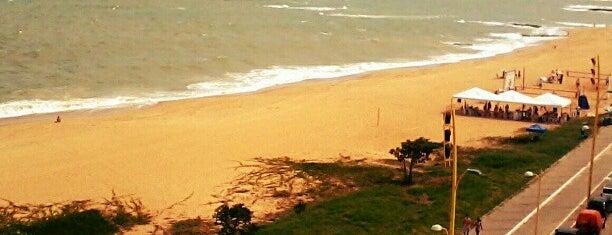 Macaé is one of Região dos Lagos.