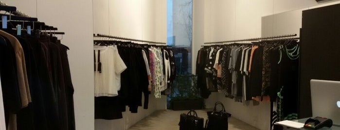 Temporary Showroom is one of to do list in Berlin.