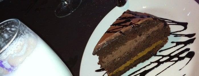 Asador El Ombú is one of Restaurantes!!.
