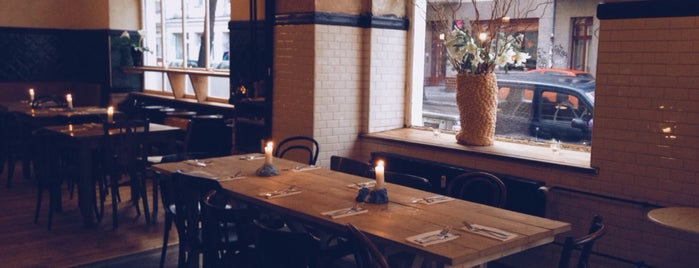 Beuster Bar is one of Berlin Best: Cafes, breakfast, brunch.