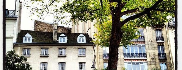 Square du Temple is one of Paris.
