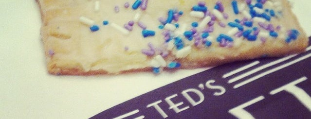 Ted's Bulletin is one of Yummy dates.
