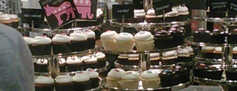 Georgetown Cupcake is one of crash course: dc.