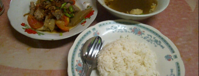 Soto Betawi H. Mamat is one of Tradisional favorit.