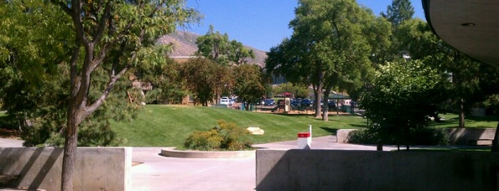 University of Utah is one of NCAA Division I FBS Football Schools.