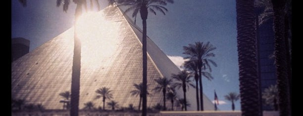 Luxor Hotel & Casino is one of Hotels Round The World.