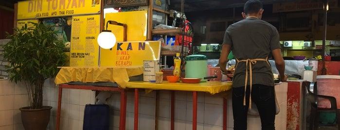 Din Tomyam Seafood & Thai is one of Makan @ PJ/Subang(Petaling) #3.