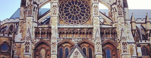 Westminster Abbey is one of London tour.