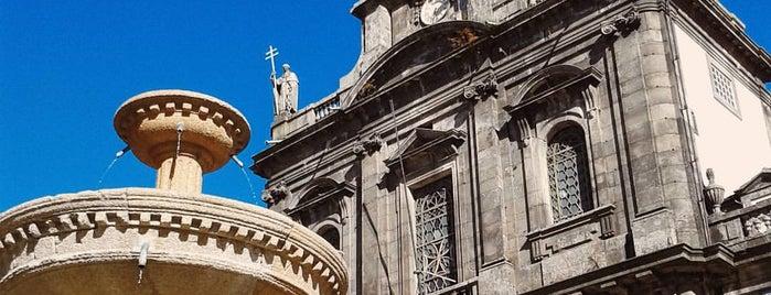 Igreja da Santíssima Trindade is one of Porto.