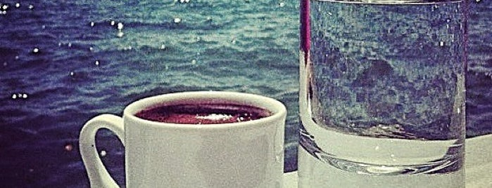 Kızdenizi Cafe is one of trilye mekanları.