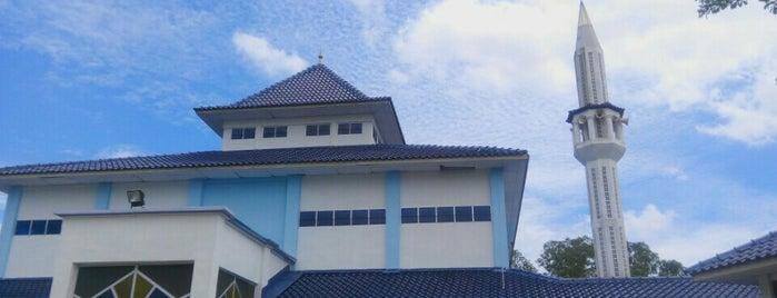 Masjid Jamek (baru) Kg. Istana is one of masjid.