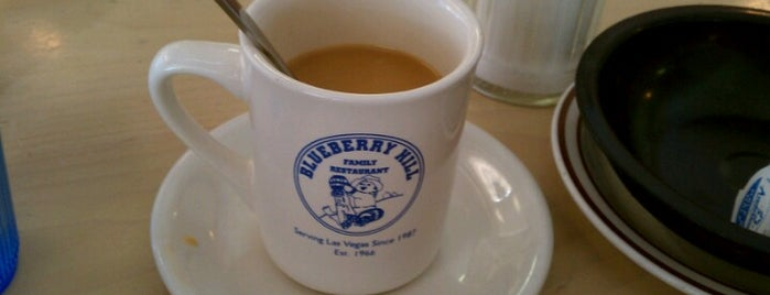 Blueberry Hill Family Restaurant is one of Las vegas.
