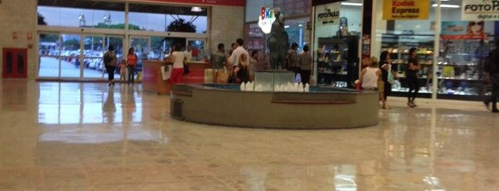 Shopping Center Norte is one of Shopping Centers de São Paulo.