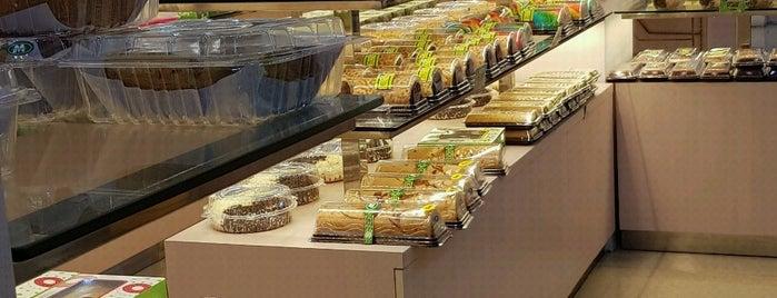Majestyk Bakery & Cake Shop is one of Guide to Jakarta Timur's best spots.