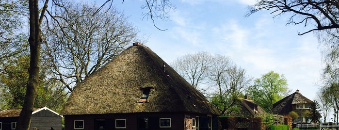 Giethoorn is one of Dream Destinations.