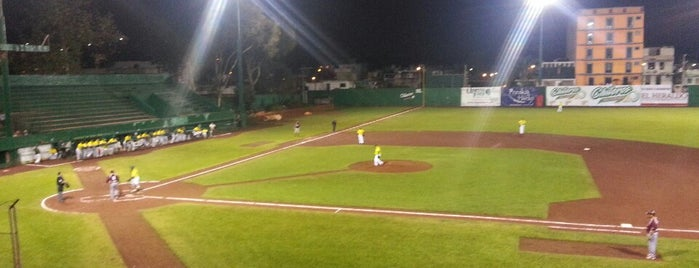 Parque Deportivo Colón is one of Muchos.