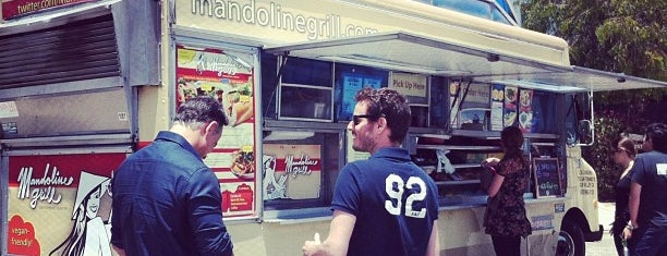 Mandoline Grill Truck is one of Vegan <3.