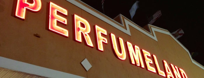 Perfumeland Store is one of Orlando - Compras (Shopping).