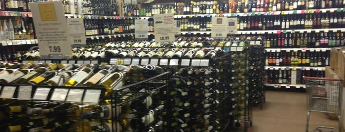 Warehouse Wines & Spirits is one of The 15 Best Places for a Sparkling Wine in New York City.