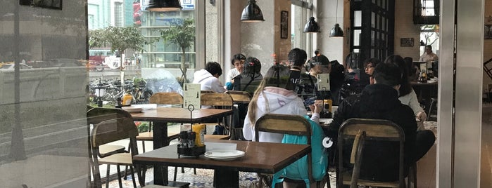 1Bite2Go Cafe & Deli is one of Brunch.