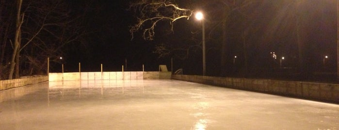 River Valley Park Outdoor Hockey Rink is one of Ames.