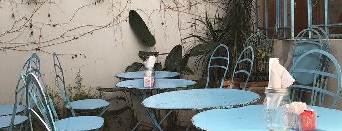 Blondies Bakery Café is one of Merienda.