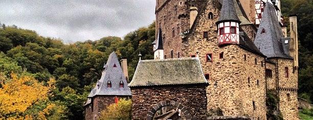 Burg Eltz is one of أماكن جميلة حول العالم.
