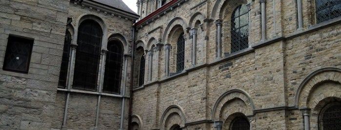 Notre-Dame de Tournai is one of Belgium / World Heritage Sites.