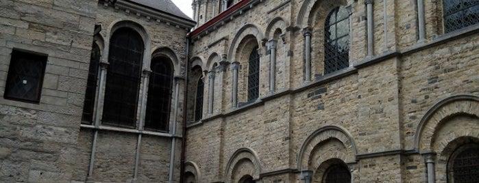 Notre-Dame de Tournai is one of Belgium / World Heritage Sites.