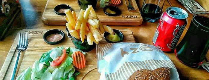 Cozy Burger & Steak is one of Yakında....