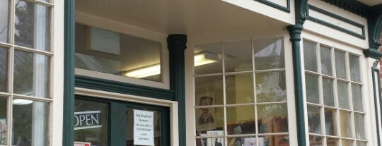Four Seasons Books is one of Shepherdstown, WV.