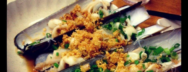 Sin Hoi Sai Seafood Restaurant 新海山海鲜餐馆 is one of Cze Char in SG.