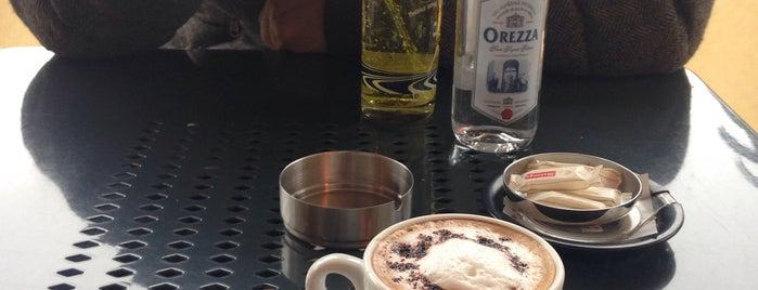 Le Pigale is one of Cafés.