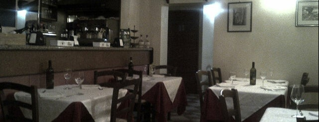 Pizzeria La Rosa is one of Mia Italia |Toscana, Emilia-Romagna|.