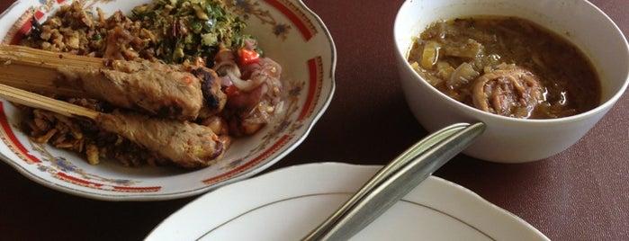 "Lawar Kuwir Pan sinar is one of Bali ""Jaan"" Culinary."