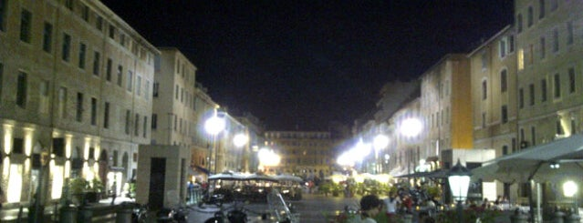 Place aux Huiles is one of Marseille.
